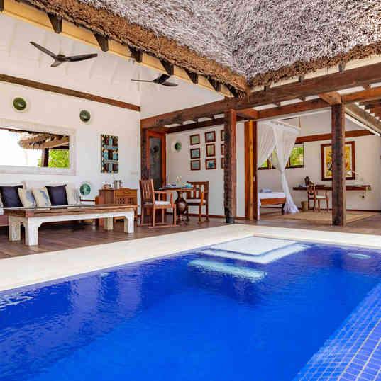 Azhari Beach Suite - The pool