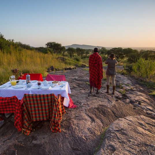 SerengetiPioneer - Bush Breakfast (c) Si