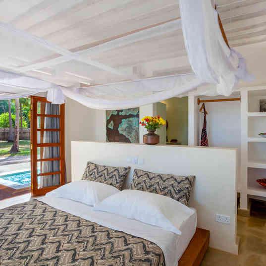 Marula House on the Beach - The bedroom
