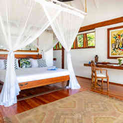 Azhari Beach Suite - The bedroom