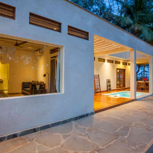 Marula House on the Beach - From outside