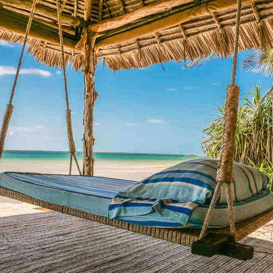 Manday Bay_swing bed.jpg