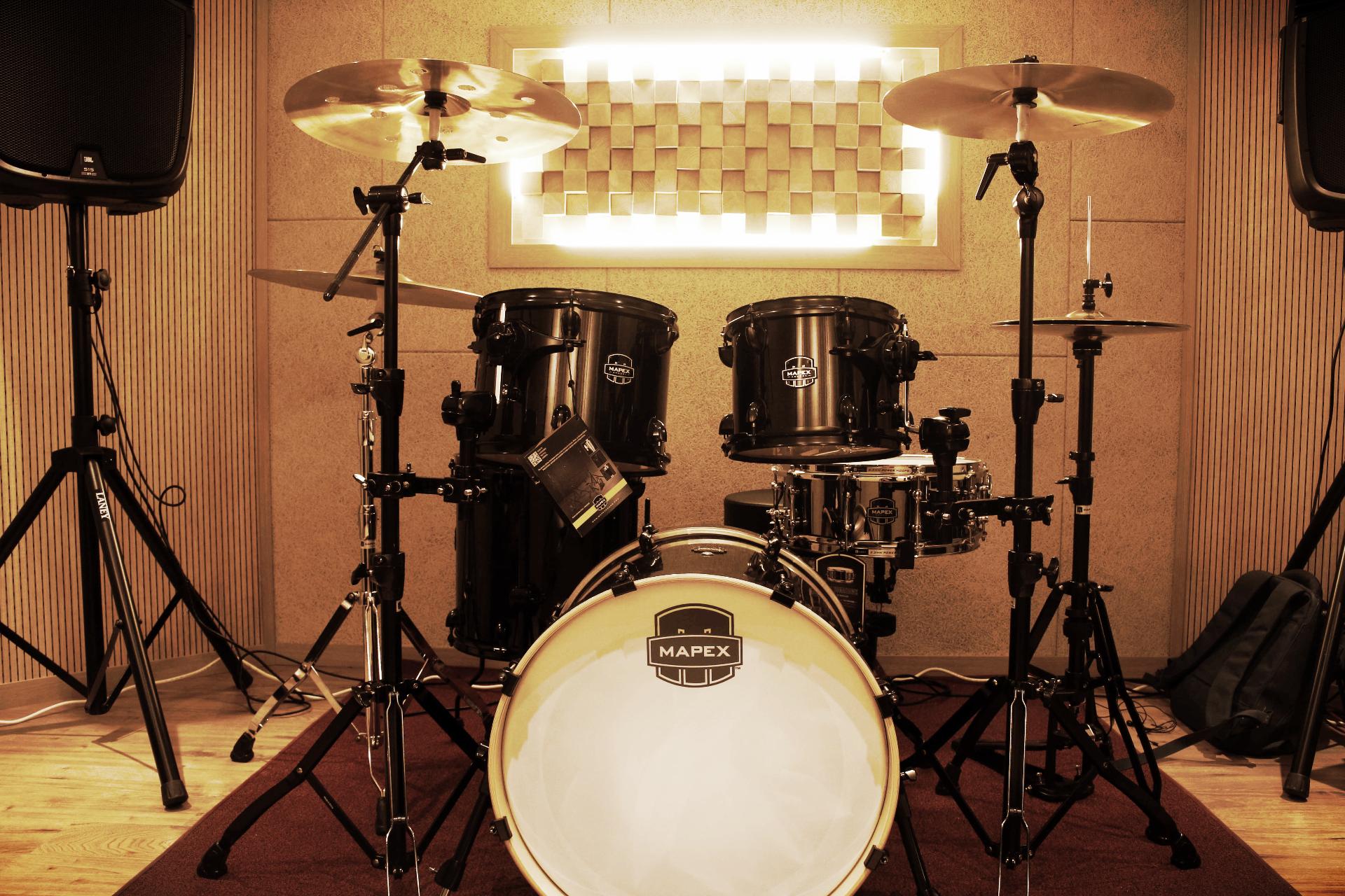 D room Drum