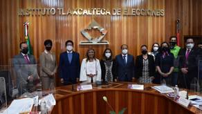 Lorena Cuéllar, recibe acta de mayoría en Tlaxcala