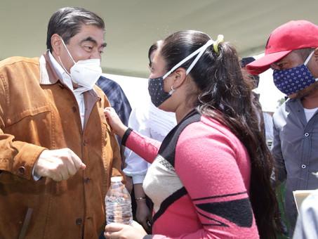 """""""GOBIERNO DEL ESTADO RESPONDE POR SU GENTE"""": MBH; REALIZA GIRA DE TRABAJO EN LA ZONA DEL SOCAVÓN"""