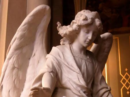 Sacerdote resalta el papel del ángel de la guarda en el momento de la muerte