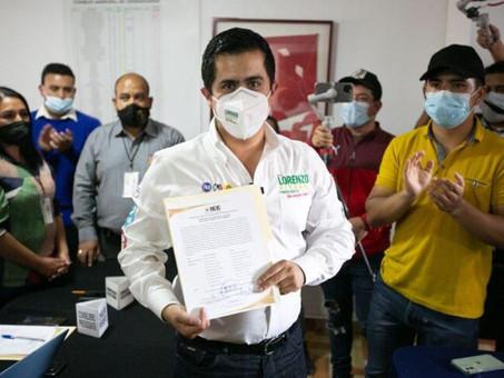 En Chignahuapan, Pue. Lorenzo Rivera recibe constancia de mayoría