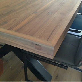 Eetafel van teak hout