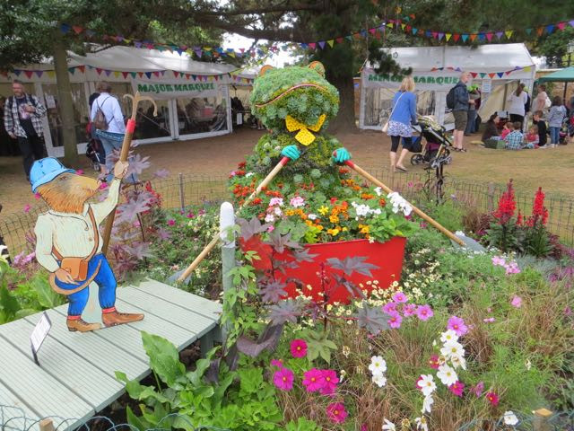 Toad arrives at Blackmore Gardens