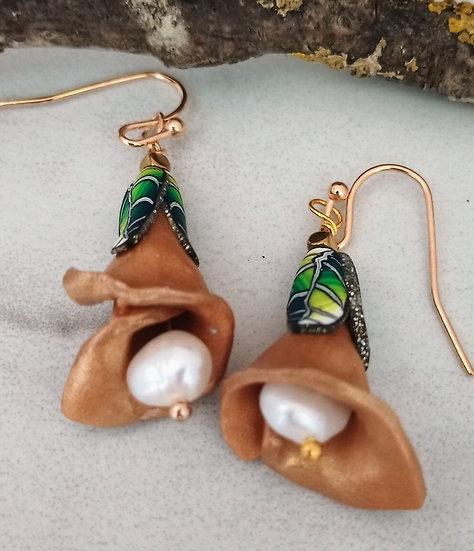 Gold Stem Flower Earrings