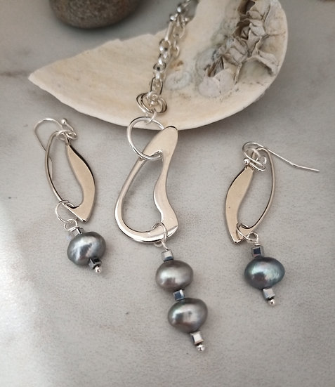 Modern Grey Fresh Water Pearls Necklace set