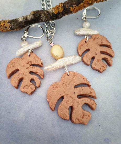 Monstera Leaf Soft Bronze Necklace Set