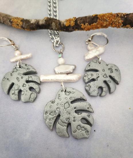 Monstera Leaf Silver Necklace Set