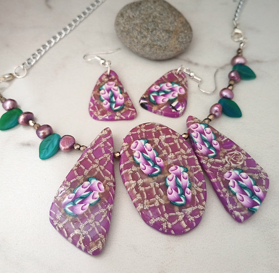Fuchsia Trumpet Bouquet Statement Necklace set