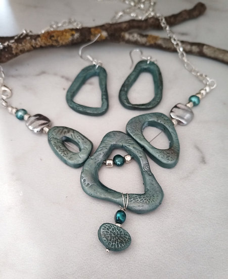 Teal Embossed Big, Bold and Beautiful Statement Necklace set