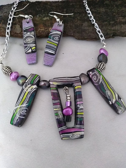 Empty Spaces Stripes and Swirls Statement Necklace set