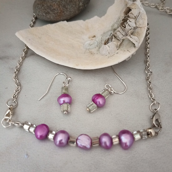 Fuchsia Freshwater pearl Necklace set