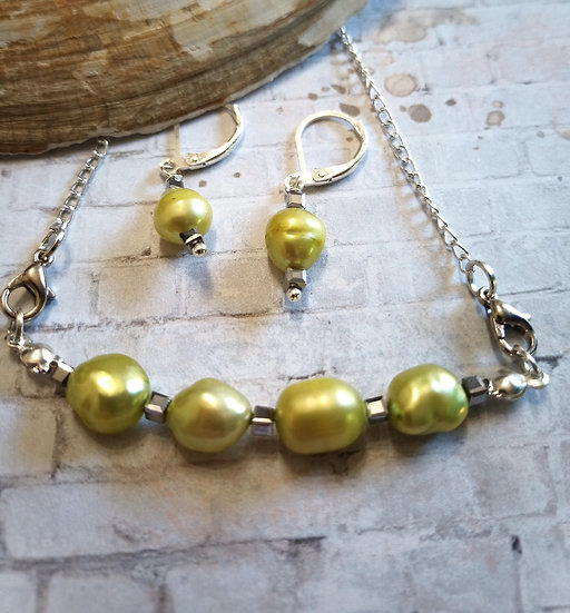 Lime Green Baroque Freshwater Pearls Necklace set