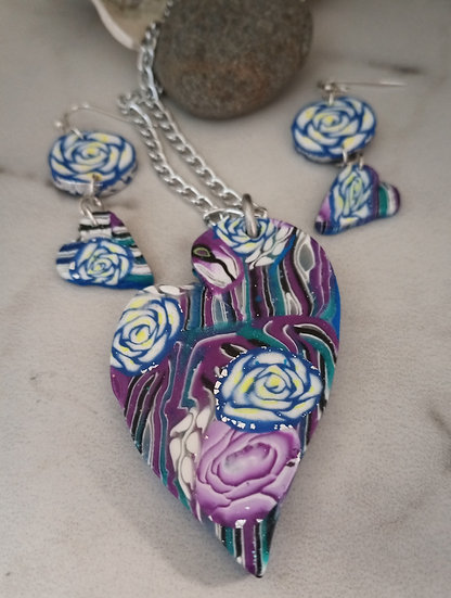 Magenta and Blue Roses Heart  Set
