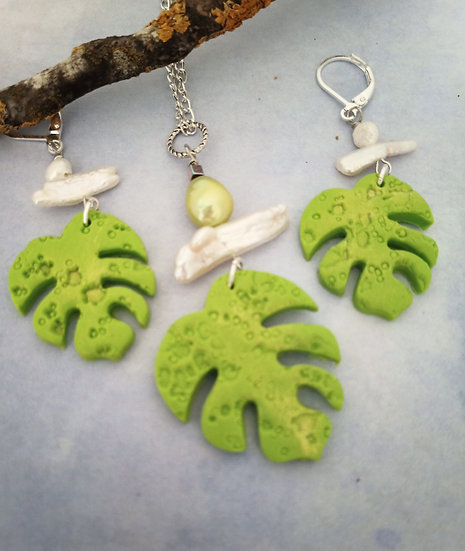Monstera Leaf  Lucius Green Necklace Set