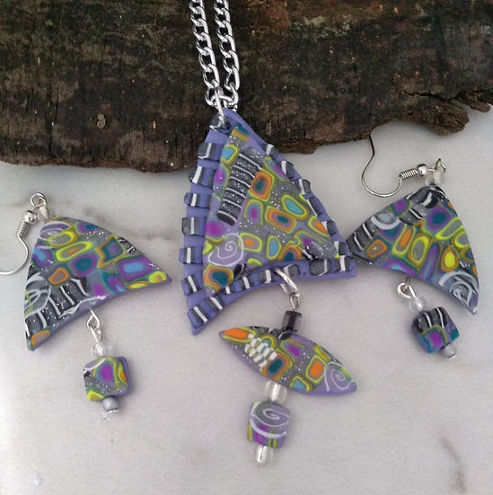Funky Triangular-ish Necklace set