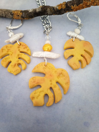 Monstera Leaf  Coppery Yellow Necklace Set