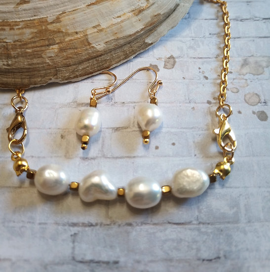 White Baroque Freshwater Pearls Necklace set