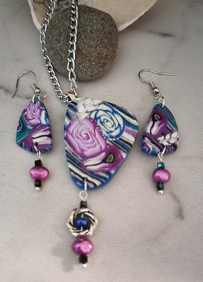 Magenta and Blue Roses (triangular) Necklace set