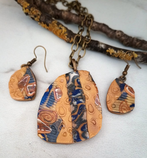Funky Gold Prints Necklace set
