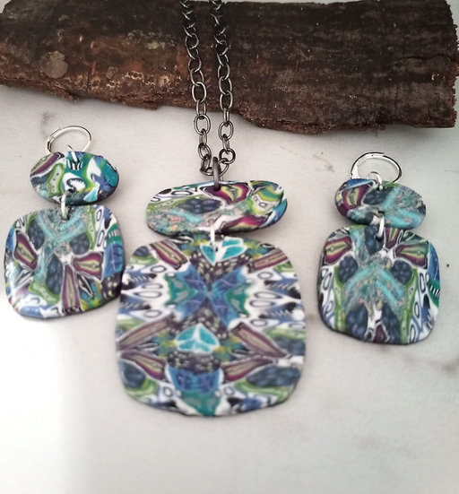 Wonder Kaleidoscope Round-ish Necklace set