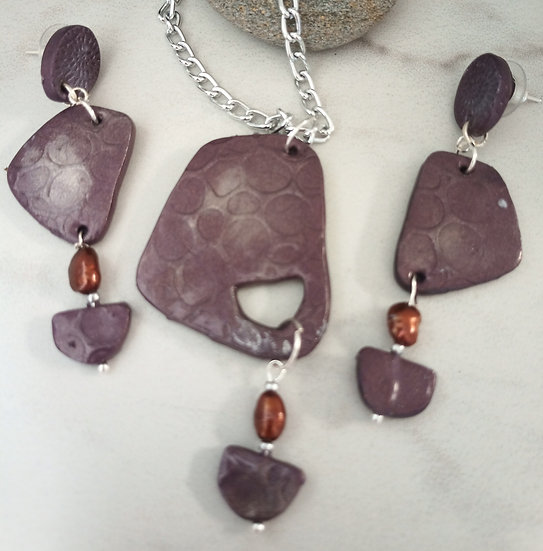 "Purple ""Leather"" Stone shaped Necklace set"