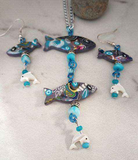 Blue Fishies Necklace set (1)