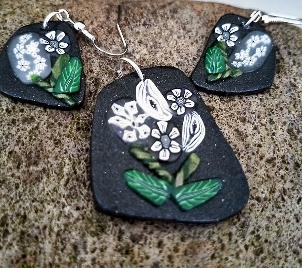 Let's Hope Winter Garden Necklace set
