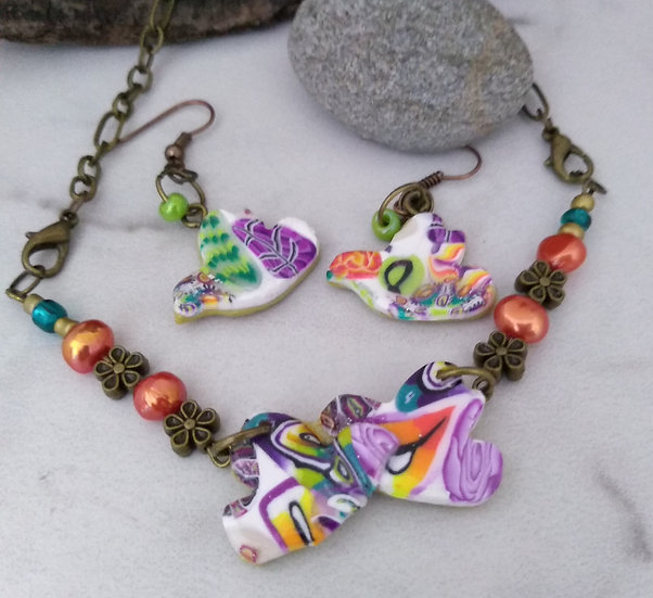 Happy Kissing Birds Necklace set