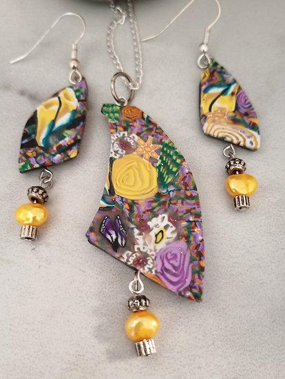 Carnation Gardens Necklace set