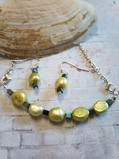 Lime Green Baroque Freshwater Pearls Necklace set 2