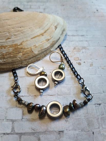 Minimalist Black Keisi Pearls Necklace set