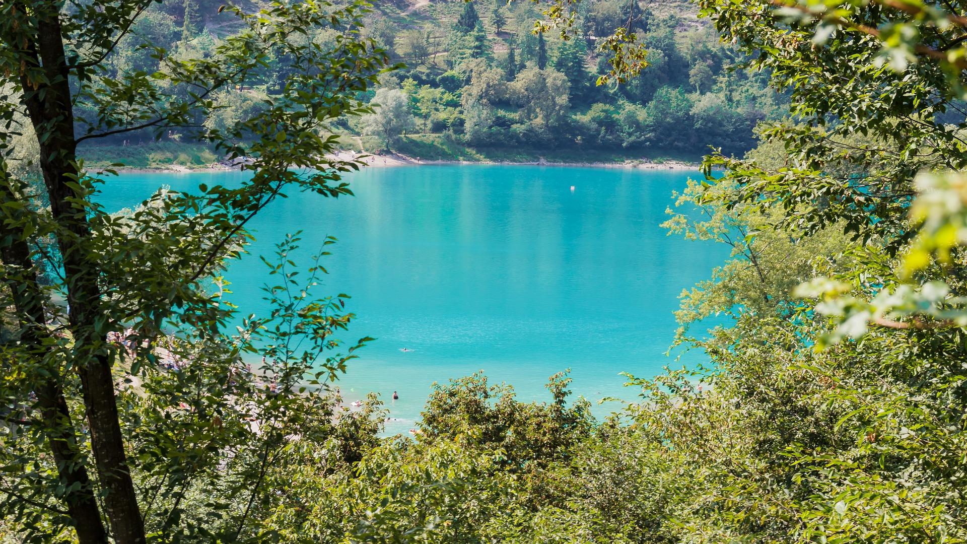 lake-1620305_1920