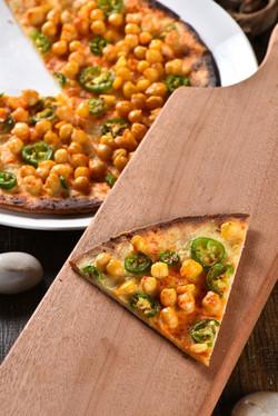 Hummos pizza by Tarek Alali