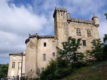 Chateau-Chalabre-vue-interieue.jpg