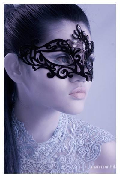 Makeup and styling_Salma uma _Photo _ manir mrittik _Model_ Linda Liu