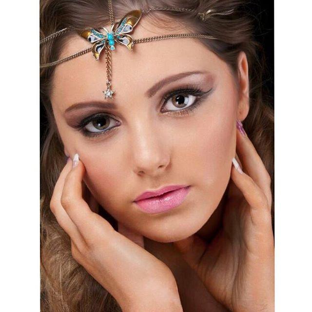 Keep it simple , no edit or filter , 👌🏻💁🏻❤️✨#makeup #modeling #client #model #modeling #instapho