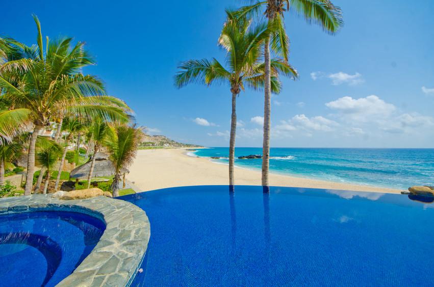 Casa Captiva Pool & Spa.jpg