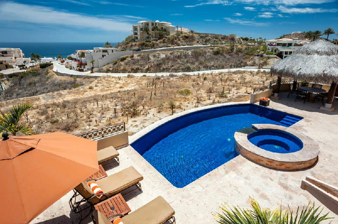 Villa Sebastian pool 2.webp
