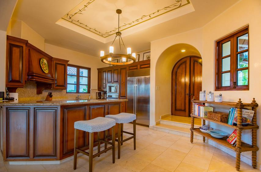 Villa Las Arenas Kitchen.jpg