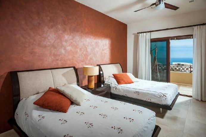 Villa Sebastian Bedroom 2.webp
