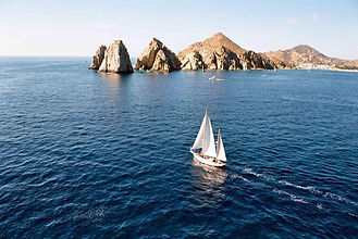 sail boat in los cabos, Naay travel, experience designers, cabo villa rentals, activities in cabo.