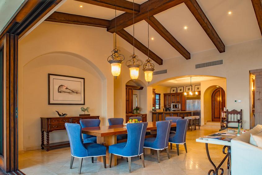 Villa Las Arenas Dinning.jpg