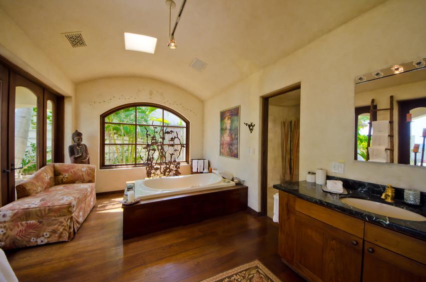 Casa Captiva Bath.jpg