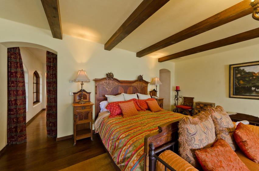 Casa Captiva Bed.jpg